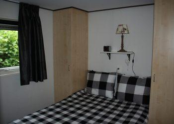 Middenkamer chalet - slaapkamer1